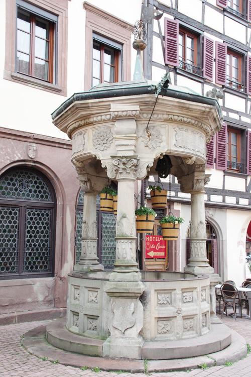 le puits aux sceaux d'Obernai