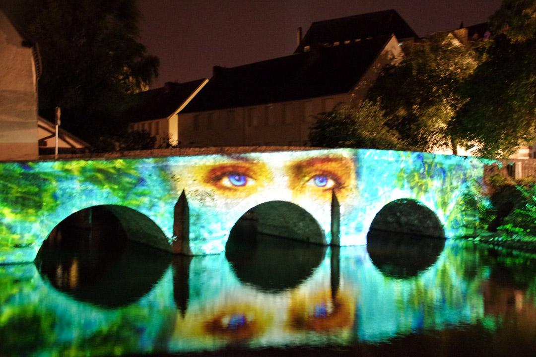 Chartres en lumières : un pont sur l'Eure