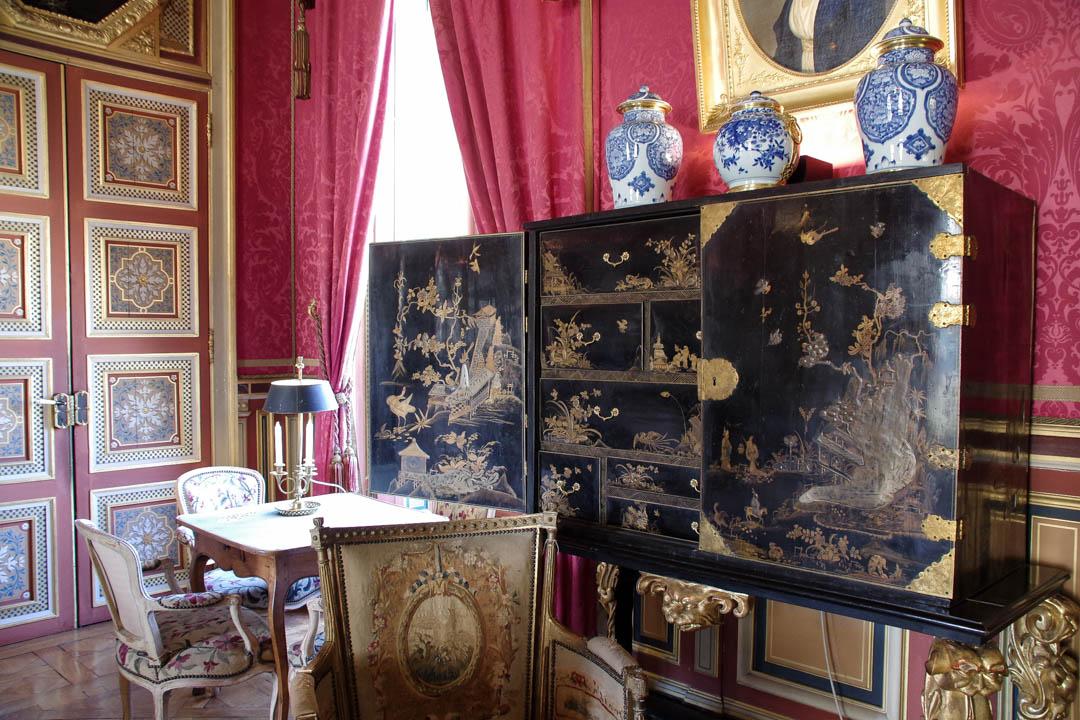 Salon et détail de la visite du château de Maintenon