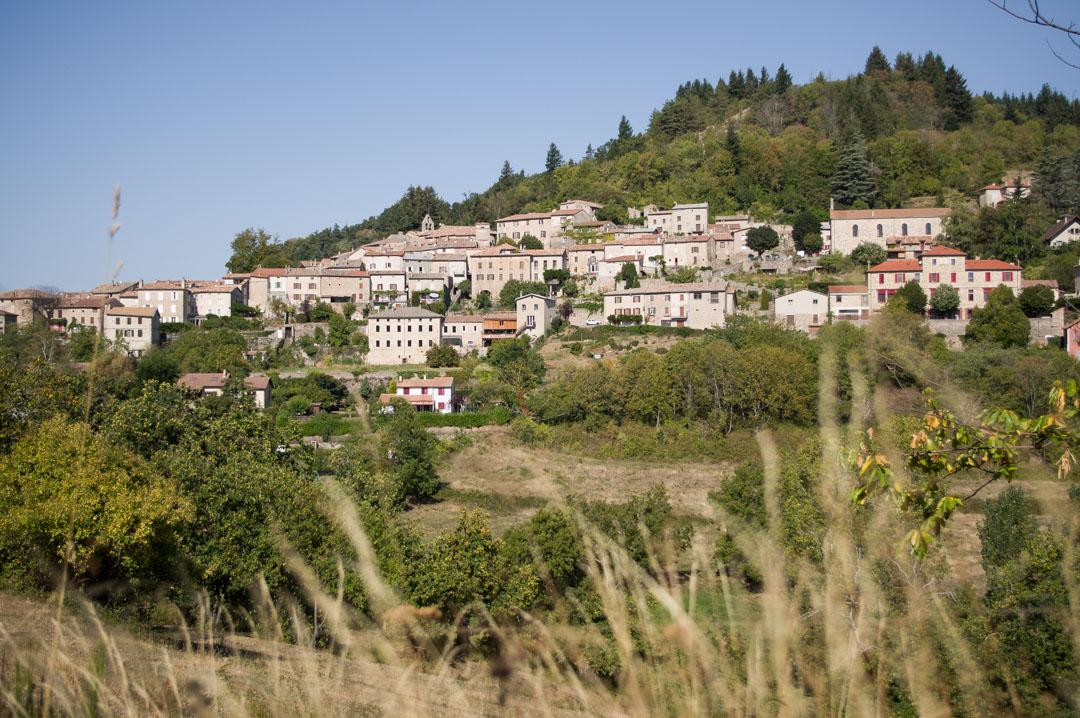 Village de Chalecon en Ardèche