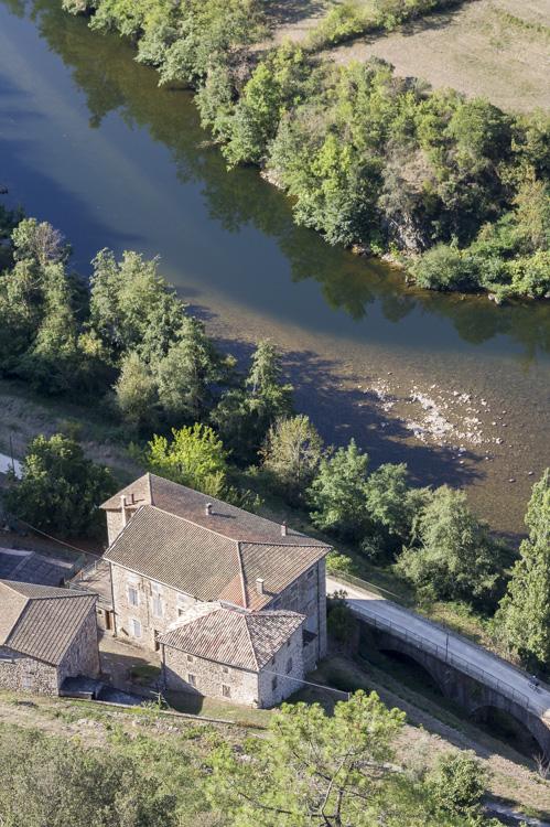 au bord de l'Eyrieux en Ardèche