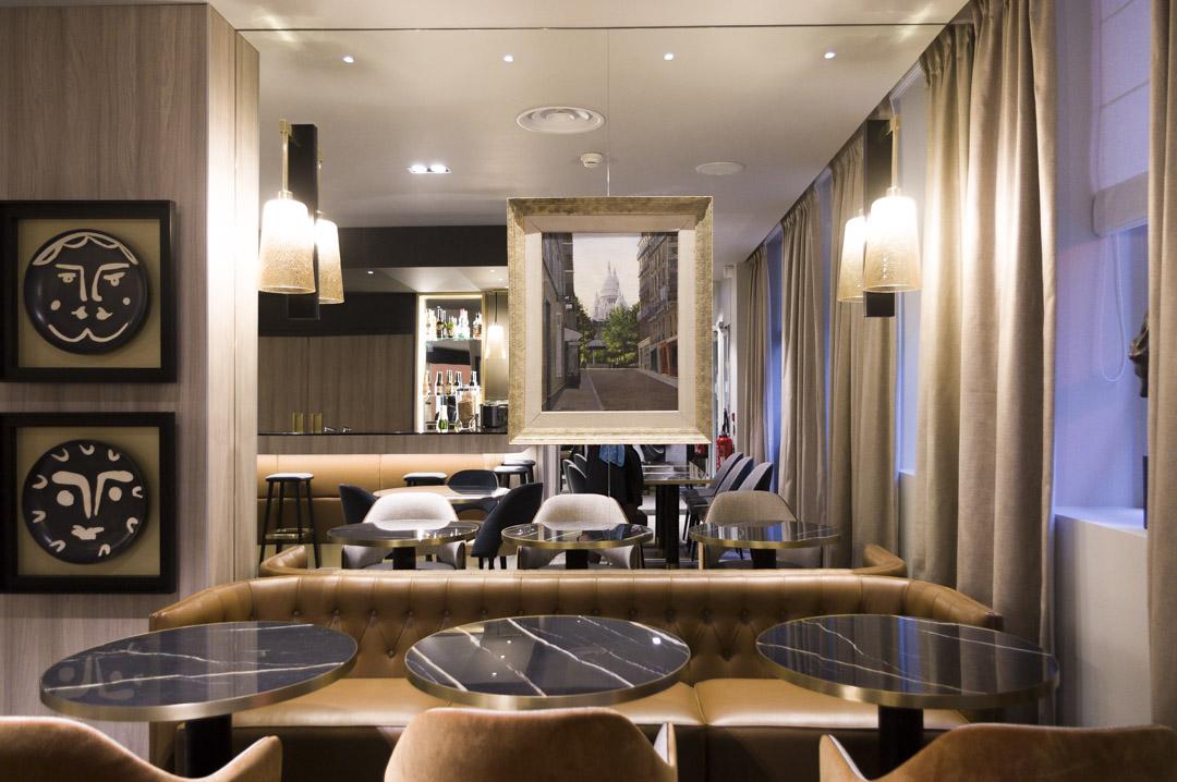 salon du petit dejeuner et bar - hotel la lanterne