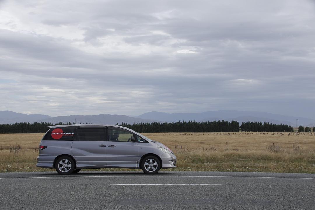 notre voiture de location aménagée pour le road-trip en Nouvelle-Zélande