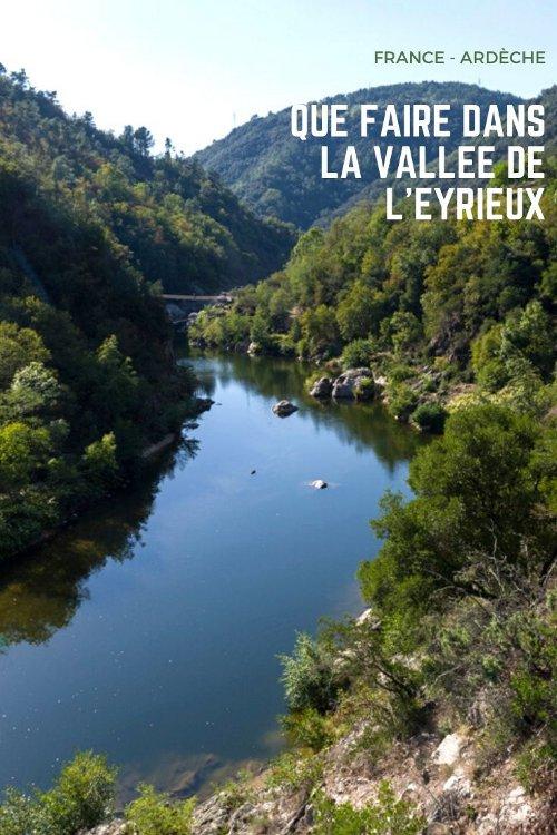 Que voir dans la Vallée de l'Eyrieux en Ardèche ? Balade à vélo sur la Dolce Via, visite de Chalencon et parc Aquarock Aventure