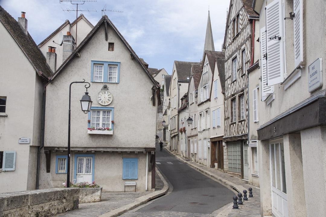 Balade à pied dans le centre ville de Chartres