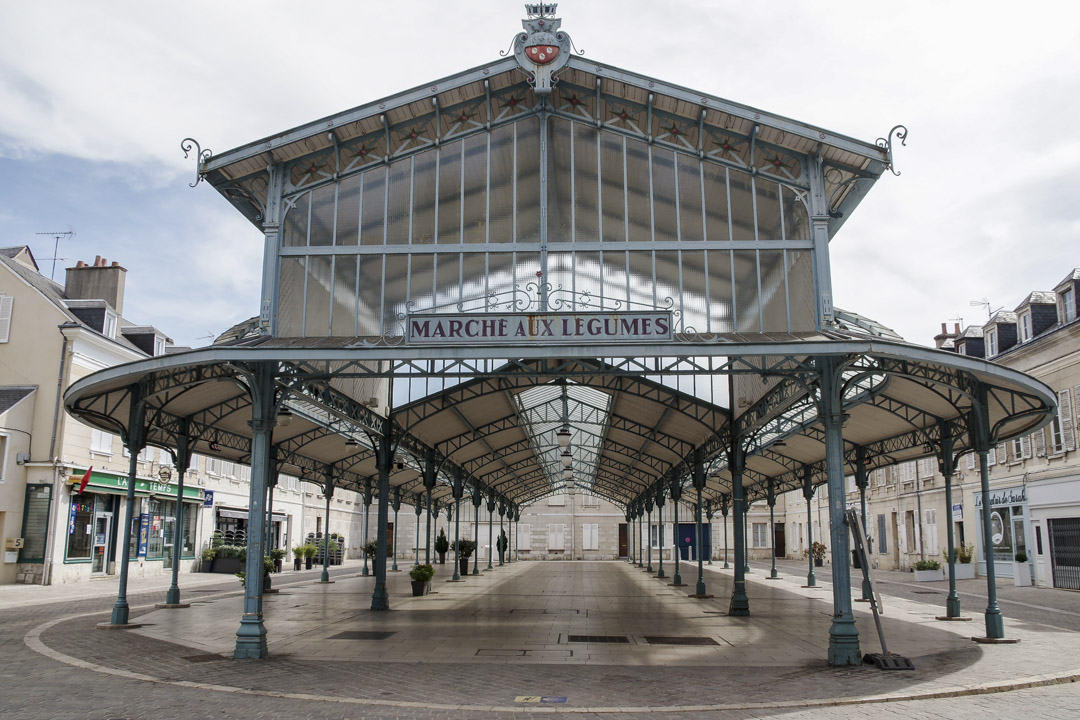 les halles du marché à Chartres