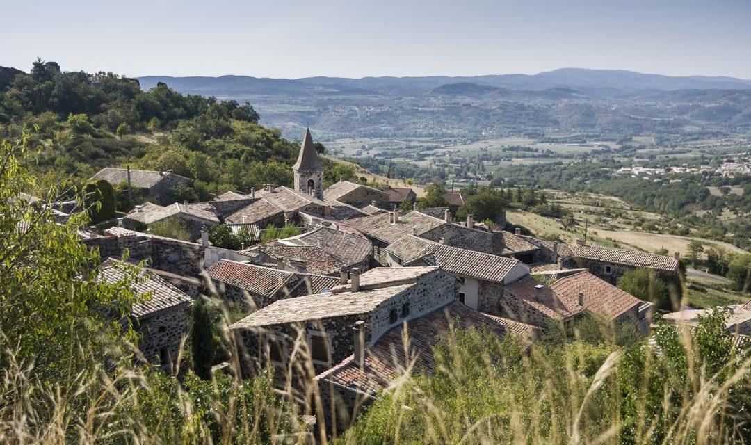 Les plus beaux villages de l'Ardèche du nord au sud