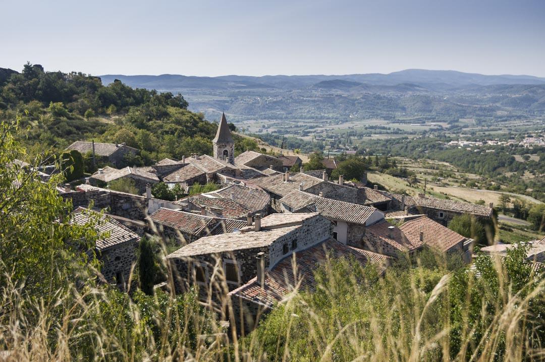 le village de Mirabel en Ardèche