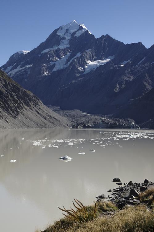 le mont Cook et le lac glaciaire