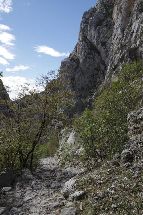 Randonnée dans le parc national de Paklenica en Croatie