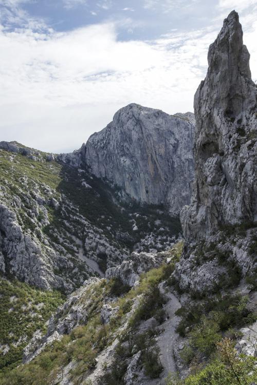 randonnée dans le canyon de Velika Paklenica jusqu'à Manita Pec