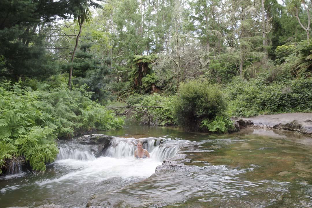 Kerosene Creek une riviere chaude près de Rotorua