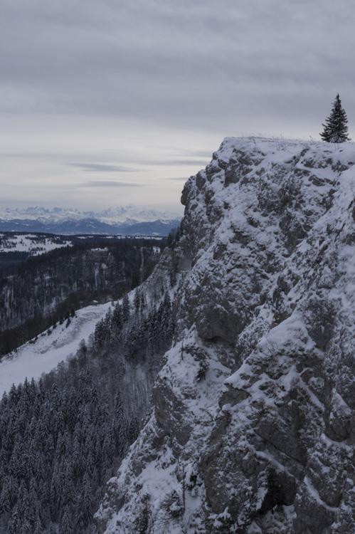 le mont d'or et le mont blanc en arrière plan