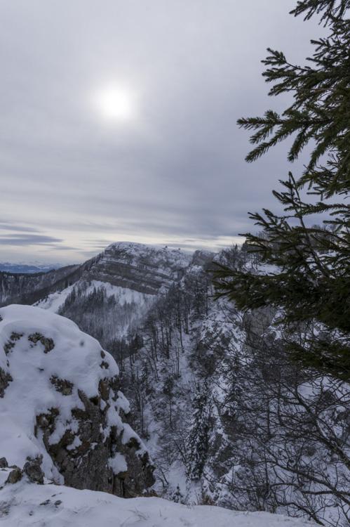 le mont d'or sous la neige