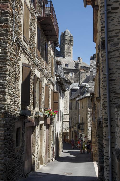 ruelle dans le centre ville d'Estaing