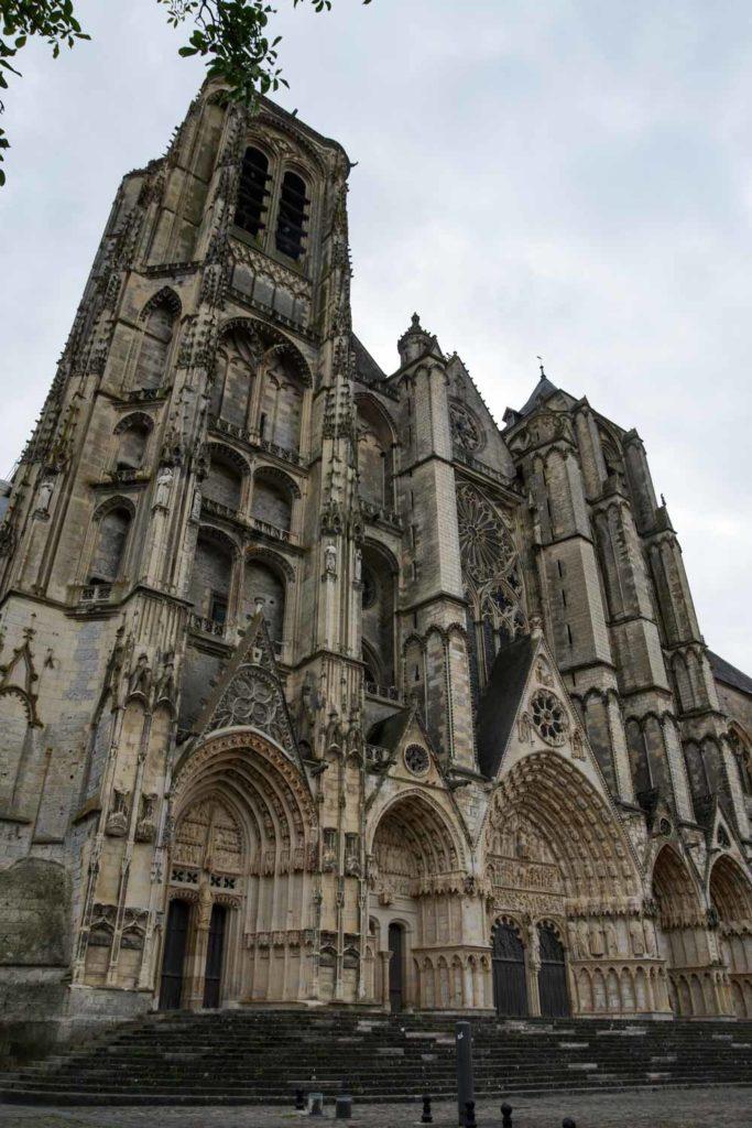 la façade principale de la cathédrale de Bourges