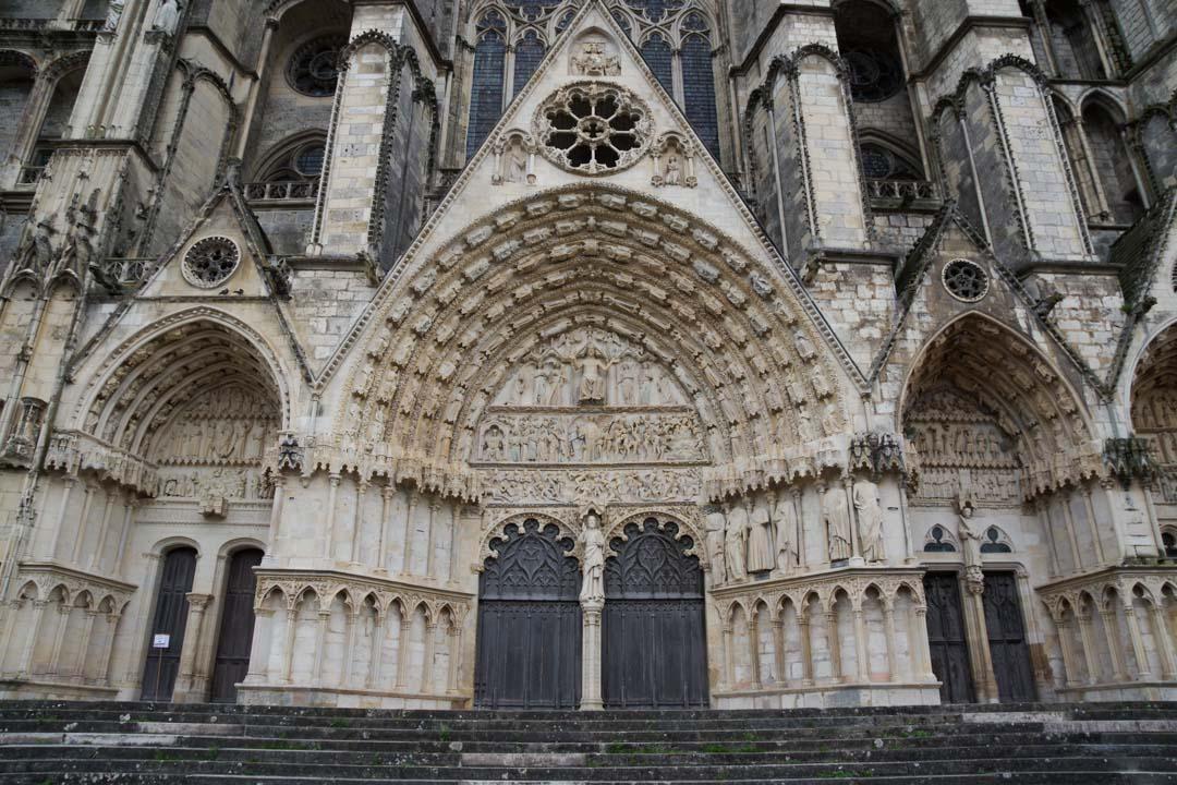 le portail principal de la Cathédrale de Bourges