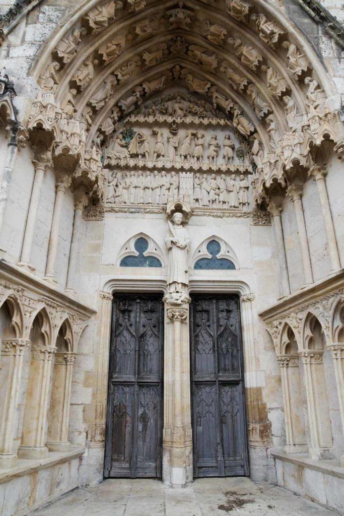 détail d'un des portails de la cathédrale de Bourges
