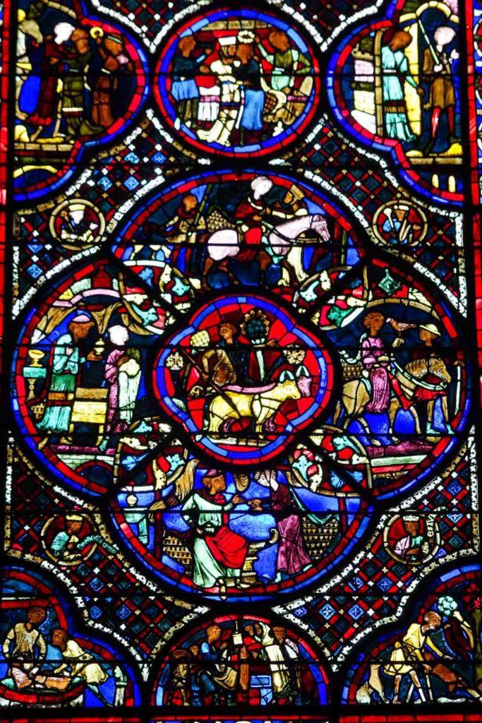 détail de l'un des vitraux de la cathédrale de Bourges