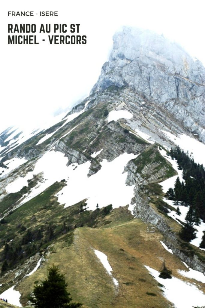 Itinéraire de randonnée sur les hauteurs de Lans en Vercors jusqu'au Pic Saint Michel pour une vue panoramique à 360° sur le plateau et Grenoble