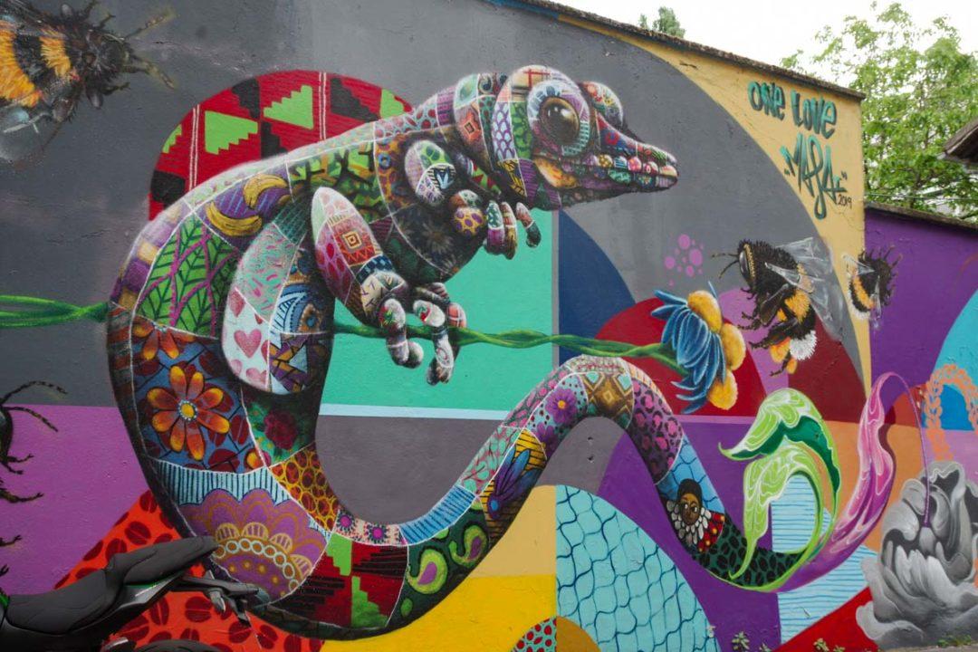 Fresque de street art sur la rue germaine taillefer aux abords du Canal de l'Ourcq