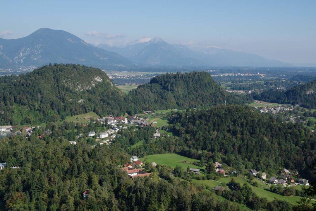 les montagnes autour de Bled