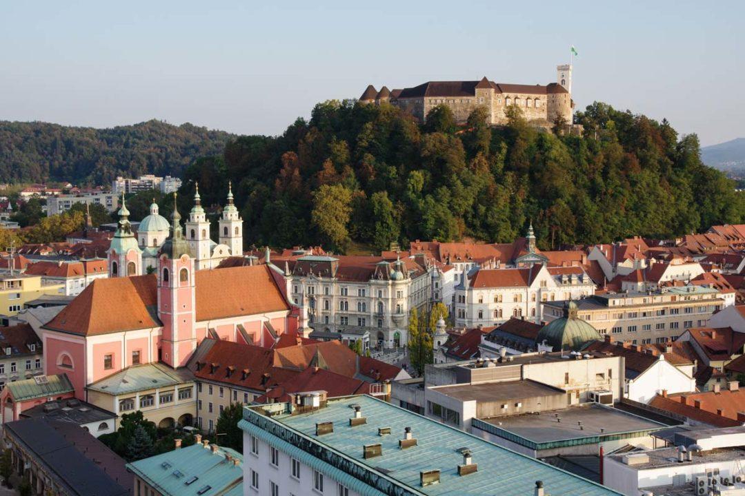 vue sur le chateau de Ljubjlana en slovénie