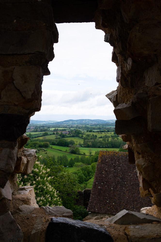 panorama depuis les fenetres du donjon de Sainte Suzanne