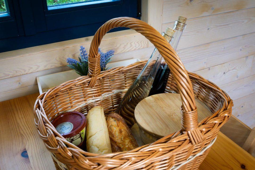 panier repas et possibilité de manger dans la roulotte