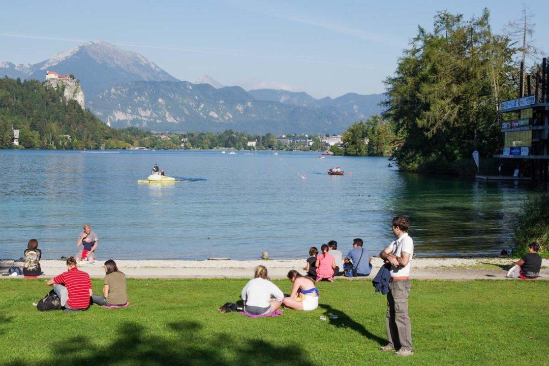 plage pour une baignade au lac de Bled en Slovénie