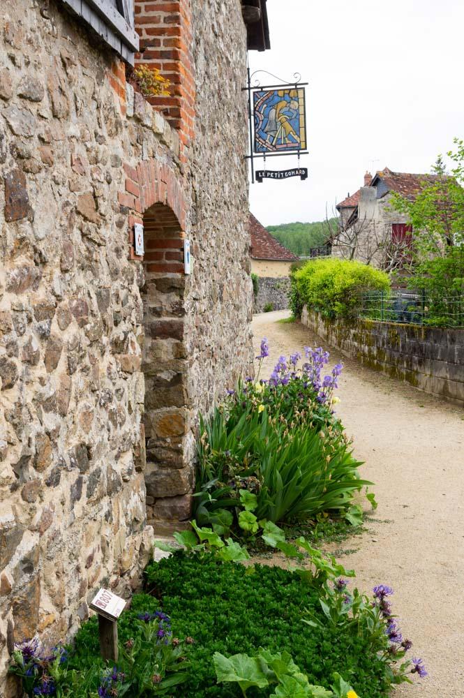 la promenade des moulins à Sainte Suzanne