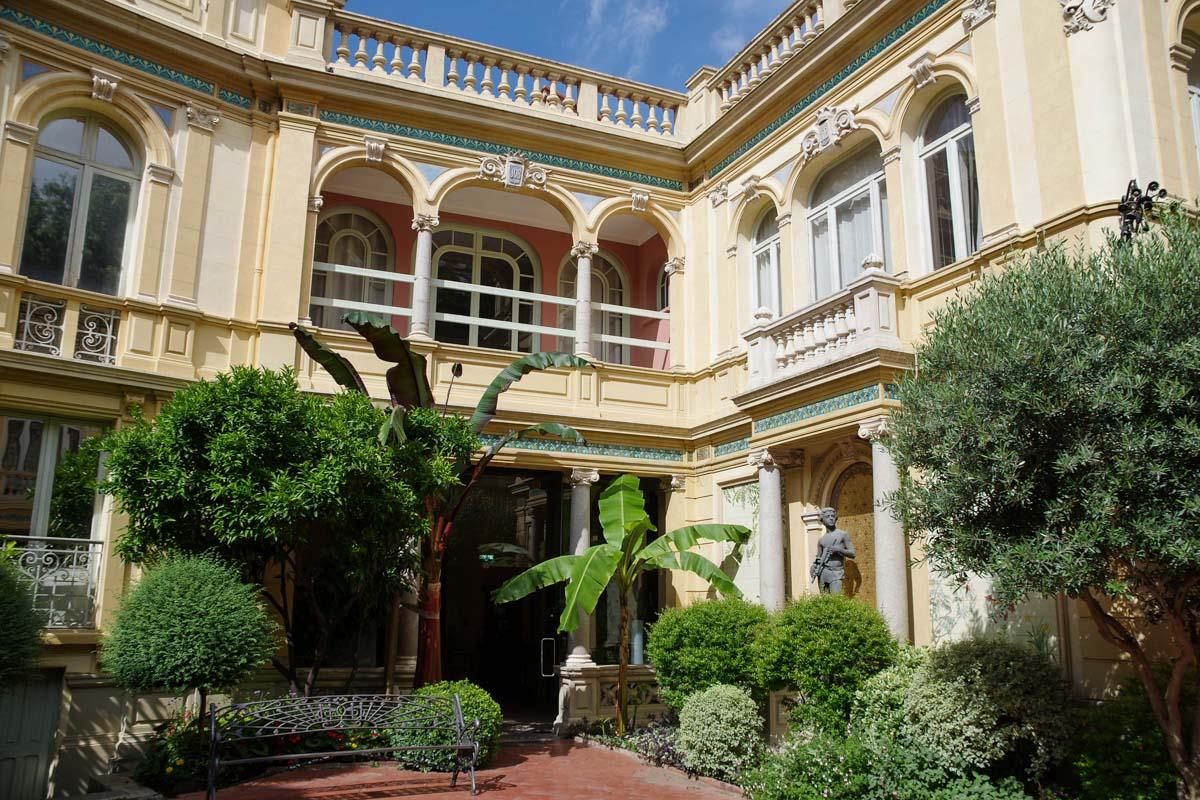 jardin de l'hôtel Pams à Perpignan