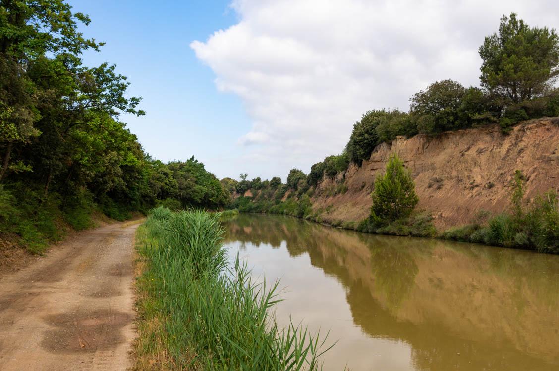 Chemin de halage du Canal du Midi près de Carcassonne