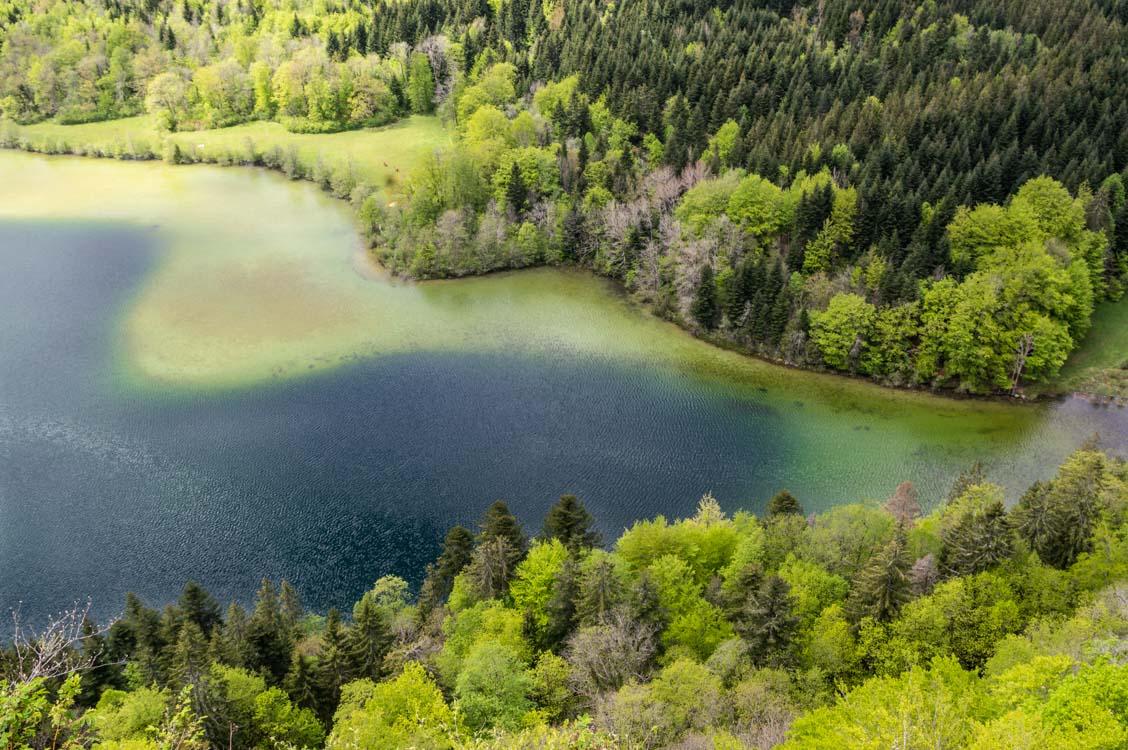 les couleurs des lacs du Jura