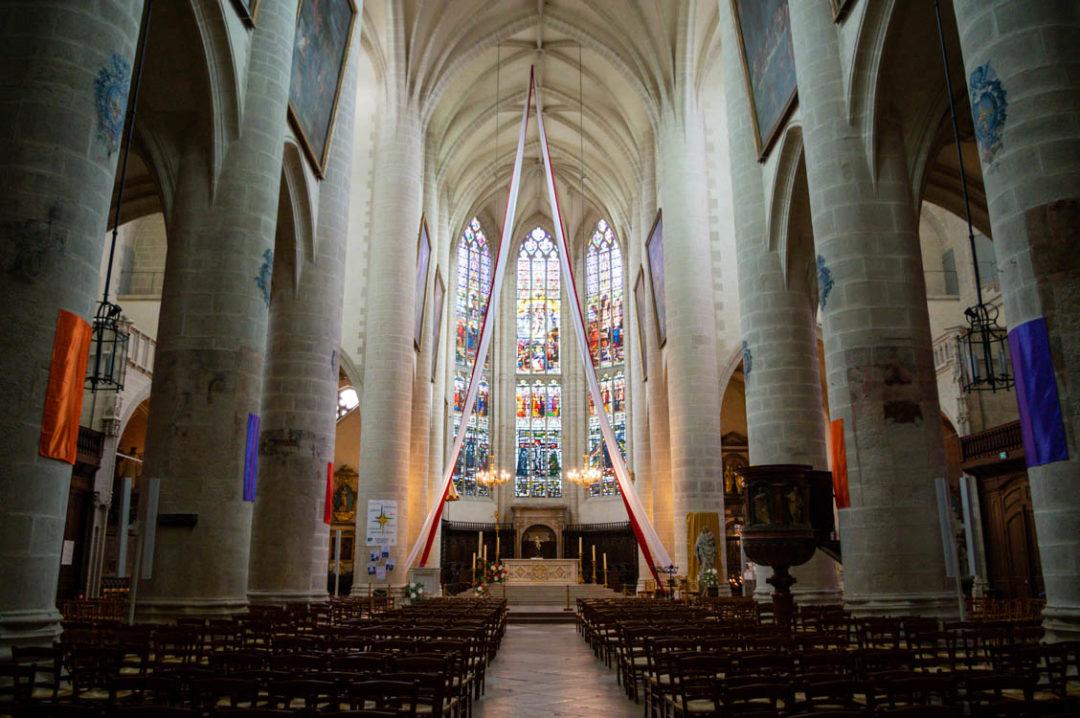 nef de la cathédrale de Dole