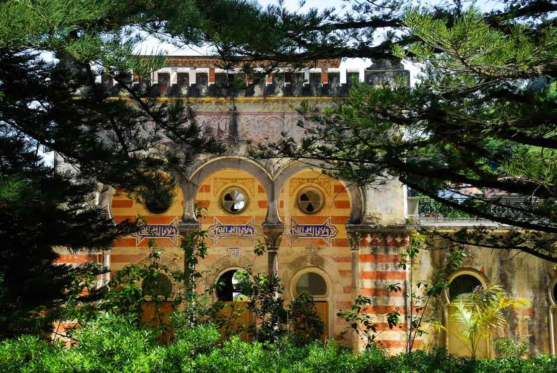 le jardin à l'inspiration asiatique du Palais de Montserrate