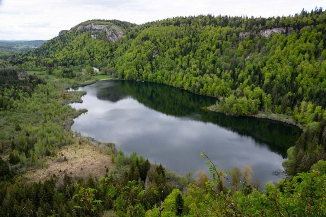 Le Lac de Bonlieu dans le Jura
