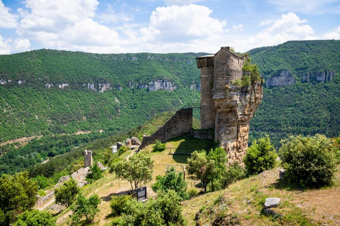 le chateau de Peyrelade