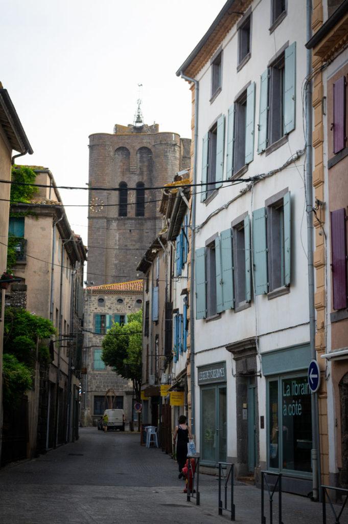 ruelle dans le centre ville d'Agde