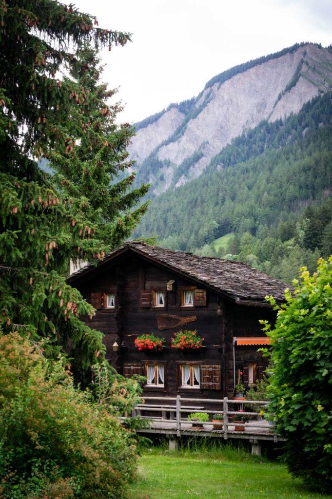 les jolis chalets suisse en bois
