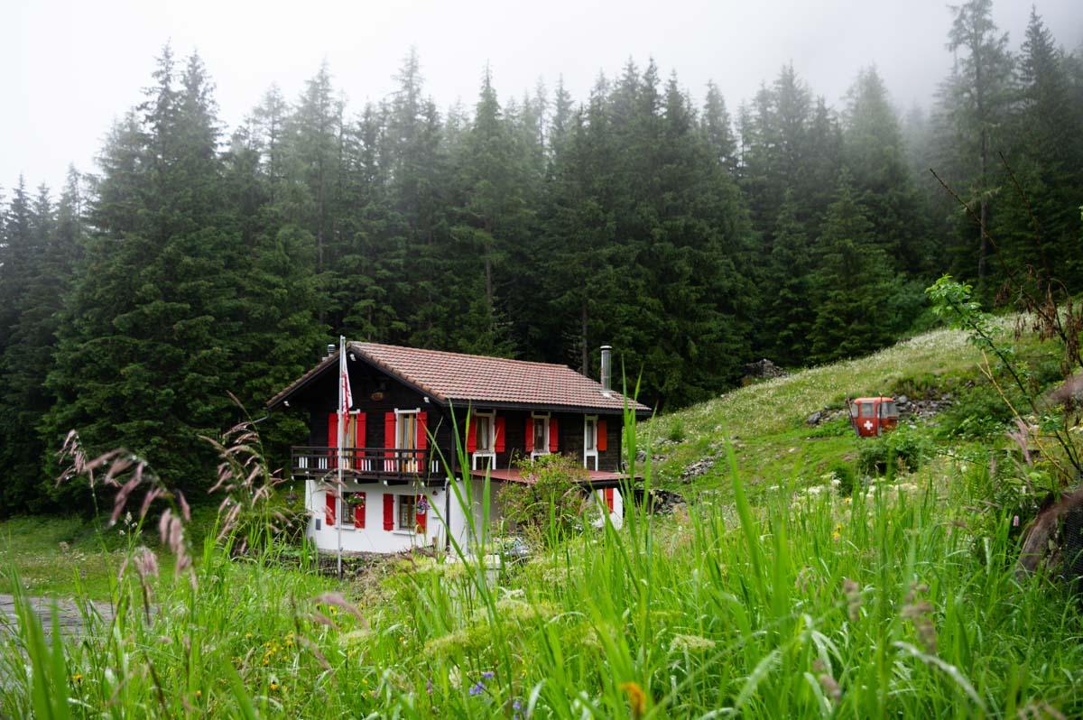 un joli chalet suisse entre Champex et Trient