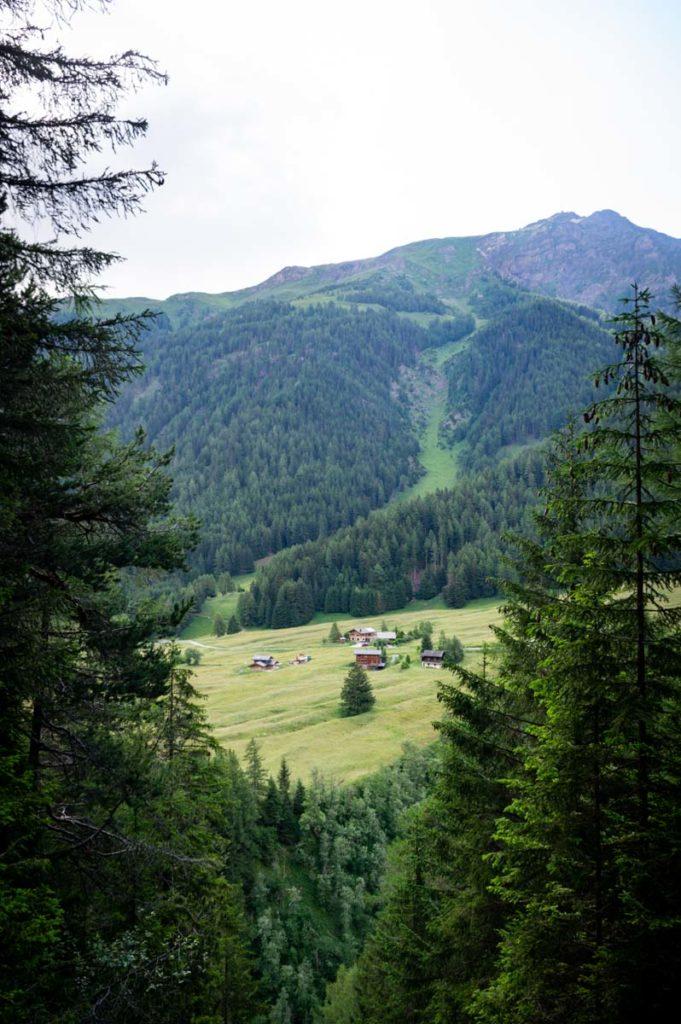 Les villages typiques de la Suisse le long du Tour du Mont Blanc