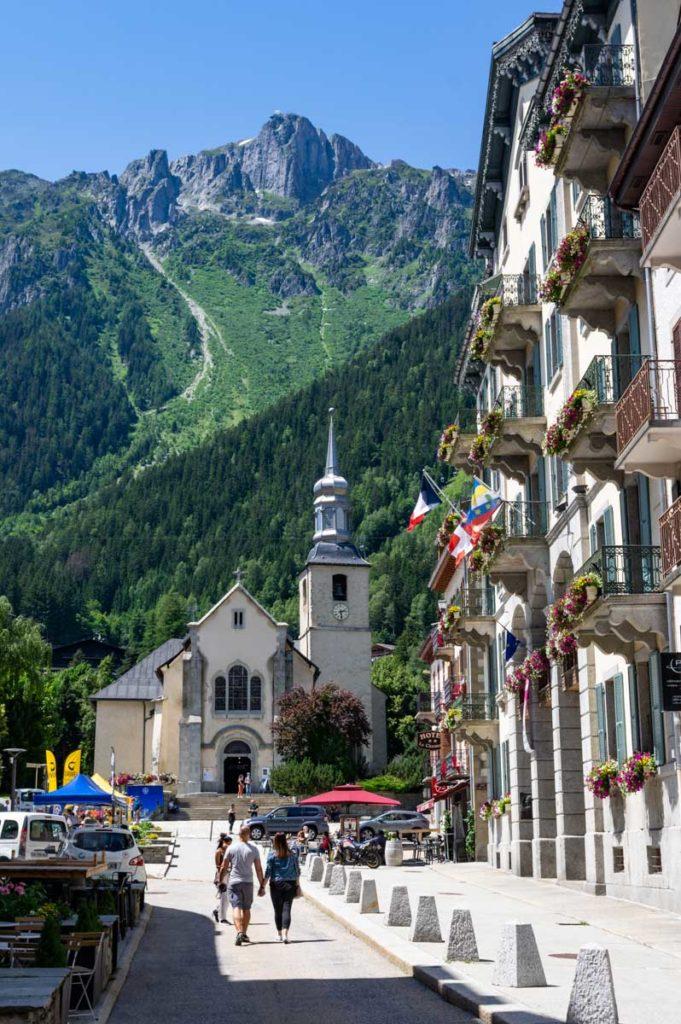 petite église du centre ville de Chamonix