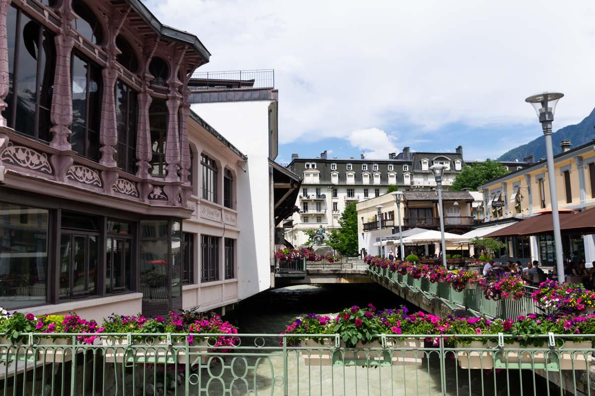 Les Bords de l'Avre dans le Centre ville de Chamonix