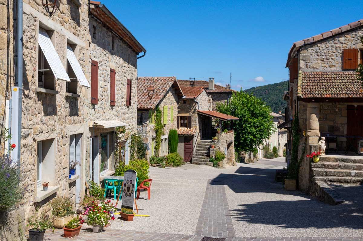 le village de Boucieu le Roi dans la Vallée du Doux en Ardèche