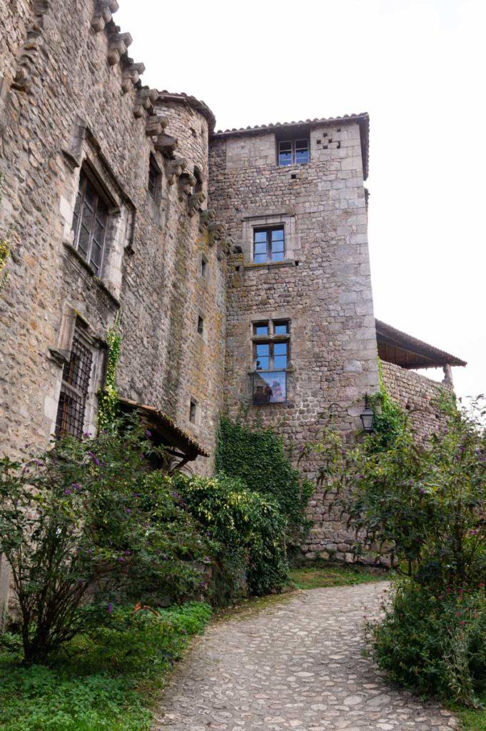 cité médiévale de Desaignes en Ardèche