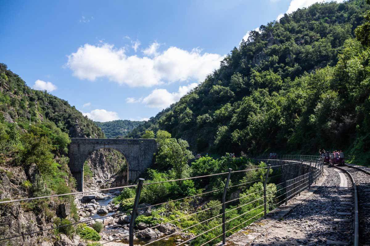 Viaduc dans les Gorges du Doux en Ardèche