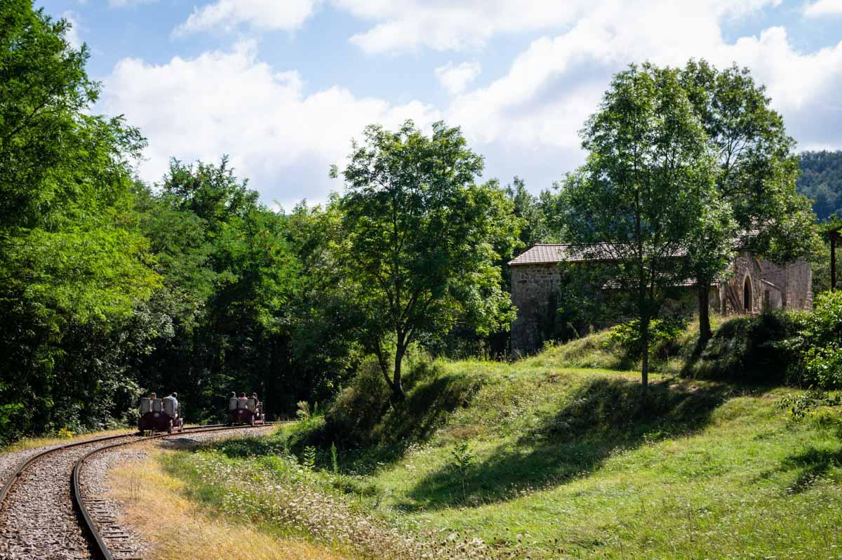 le vélorail de l'Ardèche dans la Vallée du Doux